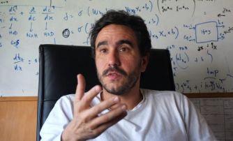 Entrevista al Dr Pablo Musé, G5 Procesamiento de Señales del IIE, disponible en Montevideo No y Amenaza Roboto